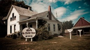 Villisca Ax Murders – Now, who doesn't love a good ghost story, right?